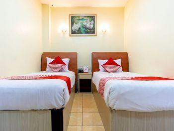 Capital O 2023 Medan Ville Hotel Medan - Standard Twin Room Regular Plan