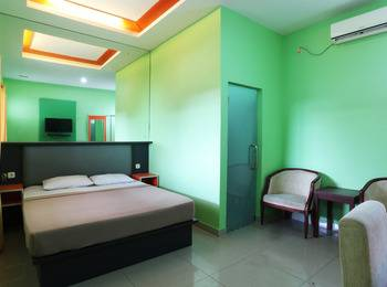 Jambrut Inn Jakarta - Deluxe 2 Room Only Minimum Stay