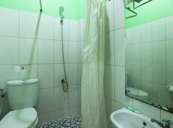 Jambrut Inn Jakarta - Deluxe 1 Room Only Minimum Stay