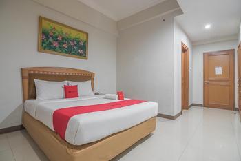 RedDoorz Syariah Plus near Gasibu 2  Bandung - RedDoorz Deluxe Room Basic Deal