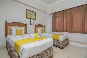 Hotel Yehezkiel Surapati Bandung - Deluxe Twin Room Regular Plan
