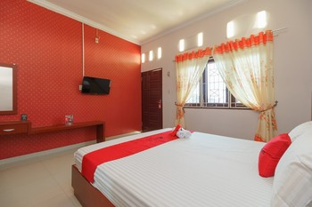 RedDoorz Syariah near UISU Medan Medan - RedDoorz Twin Room Basic Deal