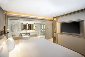 Swiss-Belhotel Solo Solo - Premier King - Room Only Regular Plan