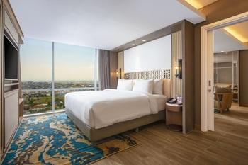 Swiss-Belhotel Solo Solo - Business Suite Room Only Regular Plan