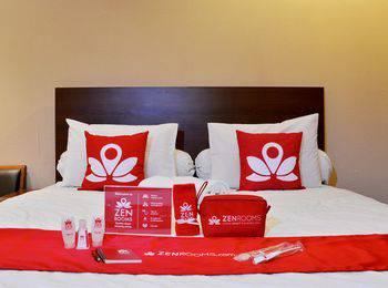ZEN Rooms Terogong near Pondok Indah Jakarta - Superior Refundable Regular Plan