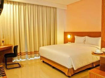 Pomelotel Jakarta - Suite Room Regular Plan