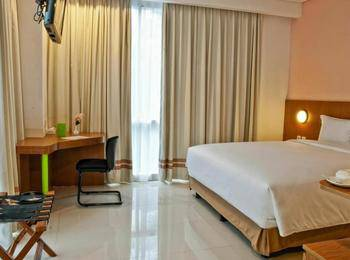 Pomelotel Jakarta - Superior Room With Breakfast Regular Plan