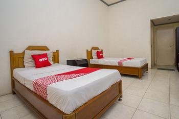 OYO 1989 Hotel Pelangi Harapan Samarinda - Standard Twin Room Regular Plan