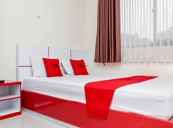 RedDoorz @ Buah Batu 2 Bandung - RedDoorz Room 24 Hours Deal