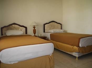 Hotel Sinar Bintang Bojonegoro - Deluxe Room Regular Plan