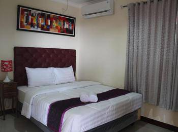 Diponegoro House Salatiga - Standard Room With Breakfast Regular Plan