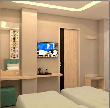 Front One Hotel Gresik Gresik - Deluxe Twin Room Best Deal