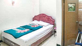 Villa Al Barokah Syariah Family Magetan - Standard Room After Hours