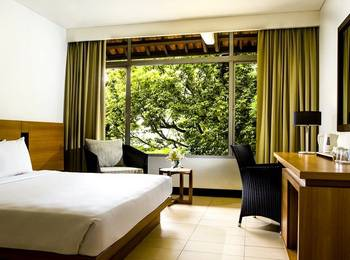 Hotel Santika Bandung Bandung - Deluxe Room King Offer  Last Minute Deal