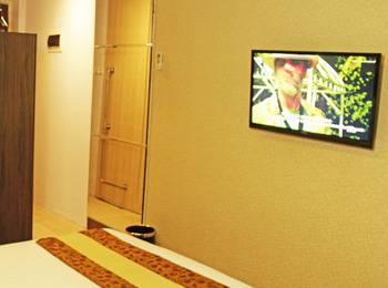 Kyriad Arra Hotel Cepu - Superior Twin Room Only Basic Deal