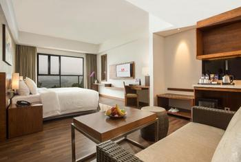 Swiss-Belresort Dago Heritage Bandung - Junior Suite Regular Plan