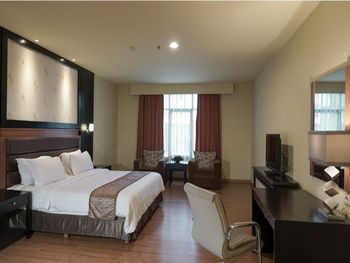Sari Ater Kamboti Hotel Bandung - Junior Suite Separated Living Room Without Breakfast Special Promotion Save 38%
