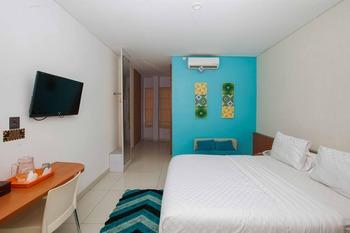 RedDoorz near Paris Van Java Mall 2 Bandung - RedDoorz Deluxe Room Best Deal