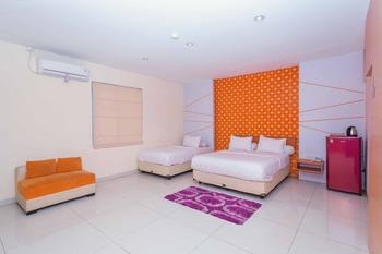 RedDoorz near Paris Van Java Mall 2 Bandung - RedDoorz Family Room Best Deal