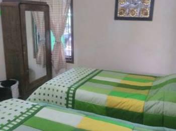 Umyah Osing Banyuwangi - Deluxe Twin Room Only Regular Plan