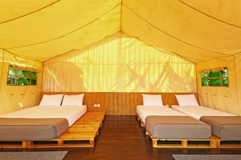 Meloh Cafe & Tents Bandung - Exclusive Tent Basic Deal 40%