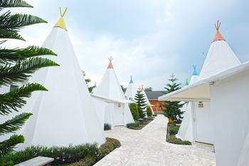 Highland Park Resort Bogor - Camp Apache with Breakfast Regular Plan