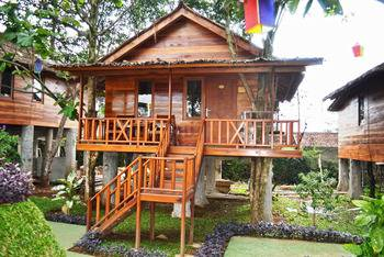 Highland Park Resort Bogor - Tree House Regular Plan