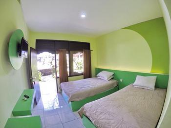 Warna Kedaton Hotel Bali - Budget Twin Room Promo Gajian