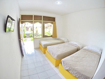 Warna Kedaton Hotel Bali - Budget Triple Room Regular Plan