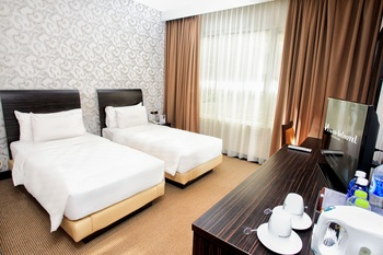Swiss-Belhotel Kendari - Deluxe Twin Room Only Regular Plan