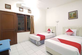 OYO Flagship 1779 Syahransah Guest House Bandung - Standard Twin Room Regular Plan