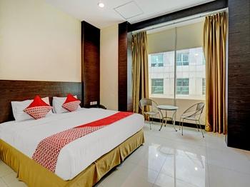 OYO 90350 Hotel Five Star 2 Batam - Deluxe Double Room Last Minute Deal