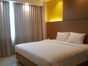 Hotel Kharisma Madiun Madiun - Suite Room Regular Plan