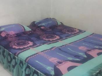 Maradona Guest House Medan - Deluxe Room Regular Plan