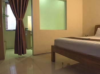 RedDoorz @Mahendradatta Bali - RedDoorz Room Special Promo Gajian