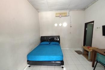 OYO Life 2597 Km Kost Pekanbaru - Deluxe Double Room Regular Plan