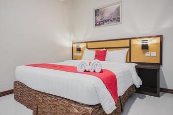 RedDoorz @ Hokkie Hotel Punggur Batam Batam - RedDoorz Room Basic Deal