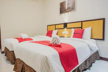 RedDoorz @ Hokkie Hotel Punggur Batam Batam - RedDoorz Twin Room Basic Deal