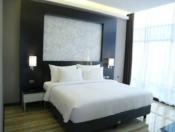 Grand Karlita Hotel Purwokerto Purwokerto - Junir Suite Regular Plan