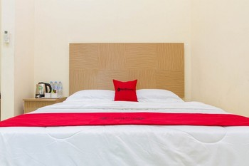 RedDoorz @ Pataruman Garut Garut - RedDoorz Room Regular Plan
