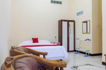 RedDoorz @ Pataruman Garut Garut - RedDoorz Premium Room Regular Plan