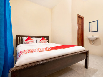 OYO 3076 Lilik Homestay Syariah Magelang - Standard Double Room Regular Plan