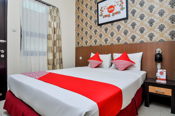 OYO 897 d'Dhave Hotel Padang - Standard Double Room Regular Plan