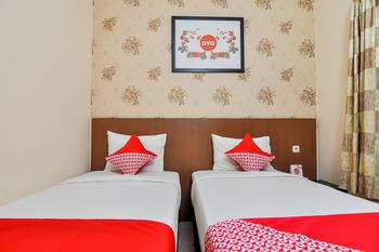 OYO 897 d'Dhave Hotel Padang - Standard Twin Room Regular Plan