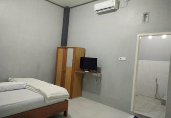 Wisma Ayank Padang - Standard Room Regular Plan