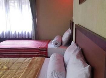 Villa Rumah Kayu Cottage Syariah Bandung - Pinus Room Regular Plan