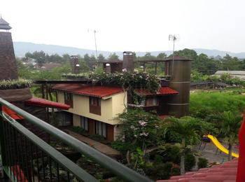 Rumah Kayu Cottage Syariah