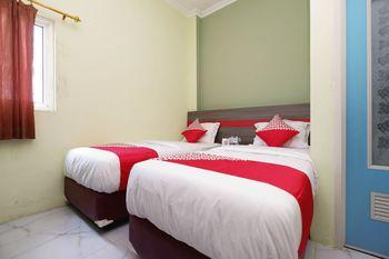 OYO 1620 Sion Family Residence Grobogan - Deluxe Twin Room Regular Plan