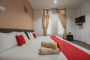 RedDoorz @ Batam Center 2 Batam - RedDoorz Deluxe Room with Breakfast KETUPAT