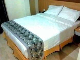 Hotel Golden Gate Batam - Superior Room Regular Plan